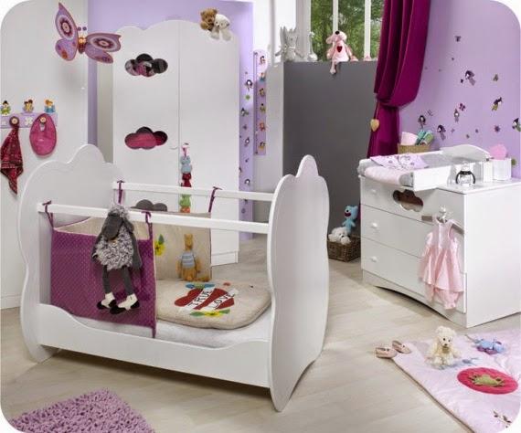 Dormitorio bebé morado blanco