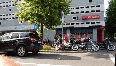 http://www.rp-online.de/nrw/staedte/koeln/hells-angels-polizei-stuermt-vereinsheim-der-rocker-in-koeln-aid-1.6857525