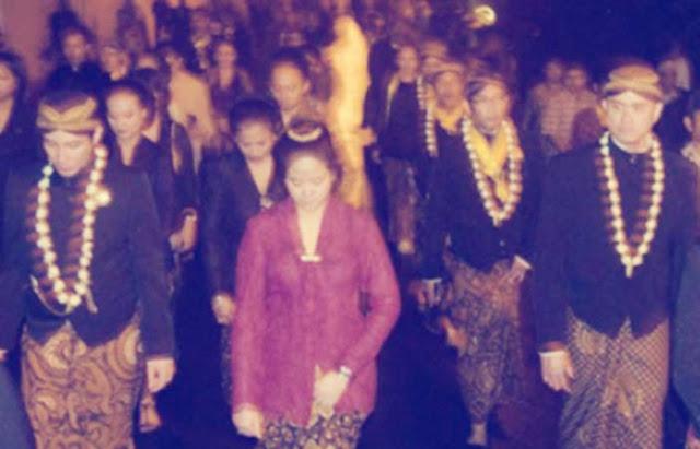 Tapa Bisu Mubeng Kraton Malam 1 Suro di Yogyakarta