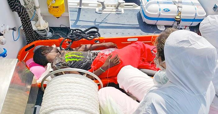 GIOIA TAURO. Evacuazione medica dalla nave 'Dignity One' per un migrante affetto da scabbia