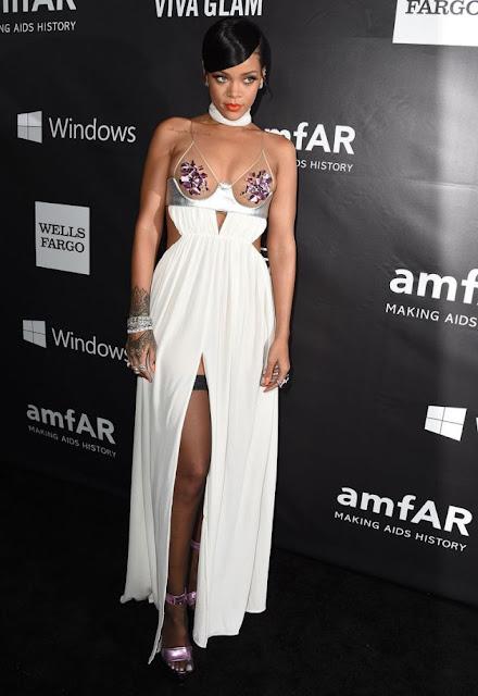 Rihanna nipple pasties and nipslip