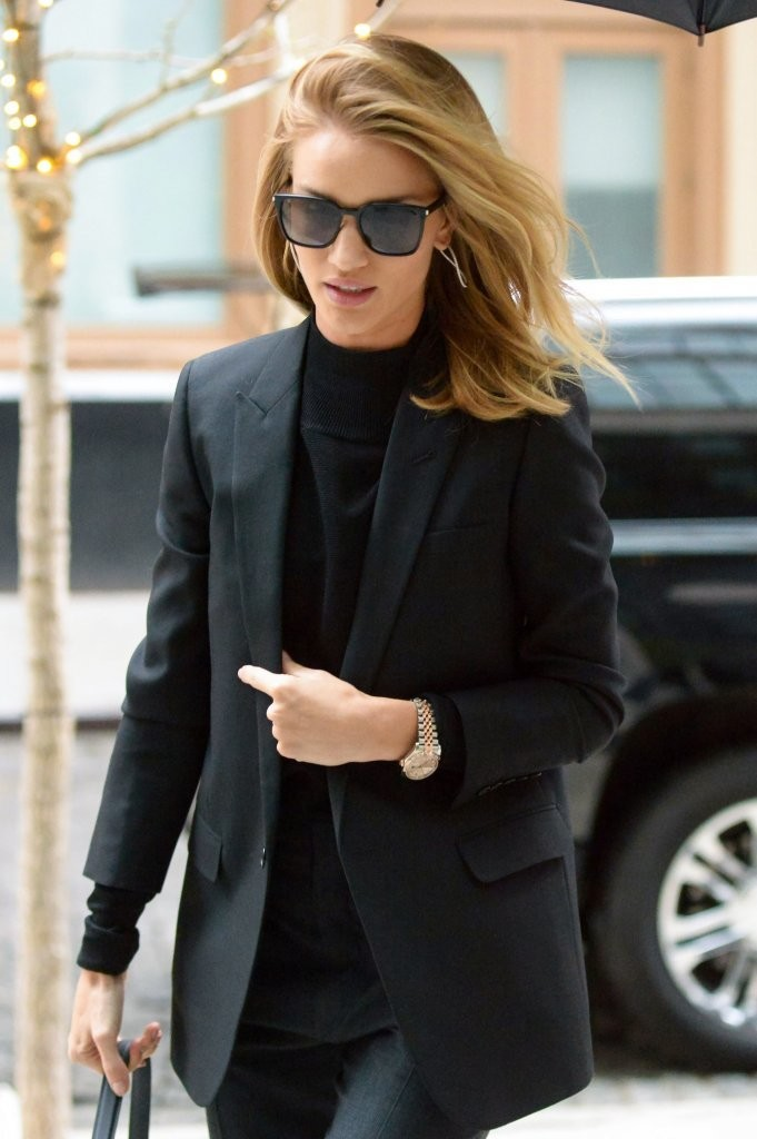 Rosie Huntington-Whiteley Wears Chic Black in NYC