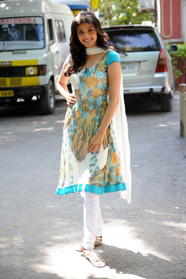 kajal agarwal traditional dress - photo #20