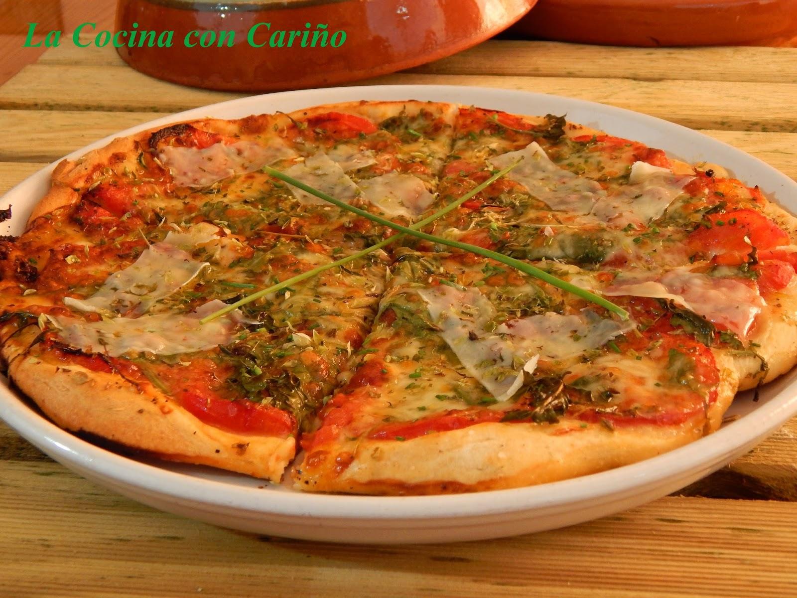La cocina con cari o pizza napolitana de r cula tomates for Picas redondas