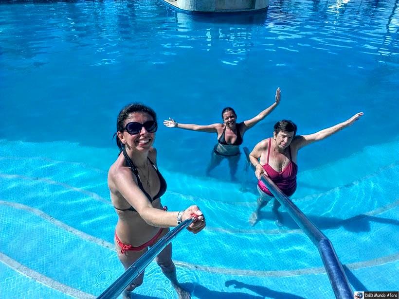 Piscina tem degraus mais largos e barra de segurança - Onde ficar em Salvador (Bahia) - review Gran Hotel Stella Maris Resort
