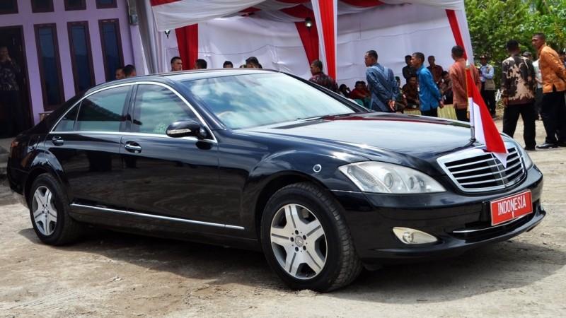 Penampakan Mercedes Benz S600, mobil Kepresidenan Jokowi