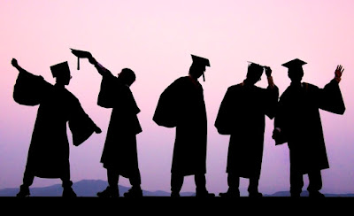 foto sarjana lulusan terbaik