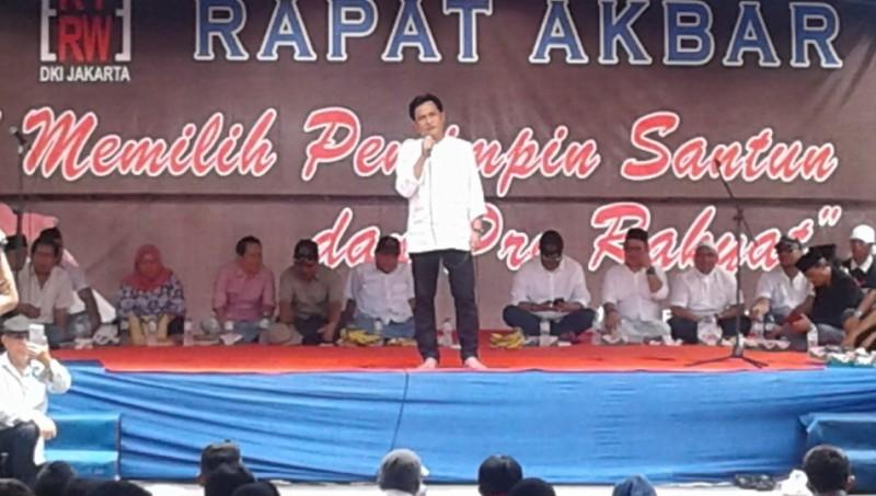 Yusril Ihza Mahendra saat menghadiri forum RT-RW DKI Jakarta