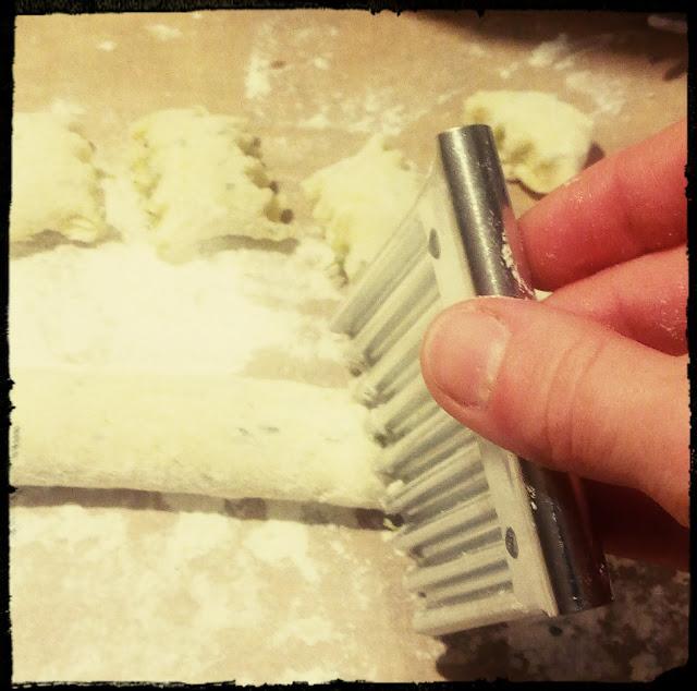 Gnocchi wloskie kluski kopytka gnocchi ziolowe z rzezucha i czosnkiem