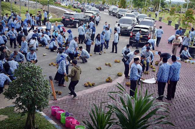 Pesta Durian di Apel Kesadaran