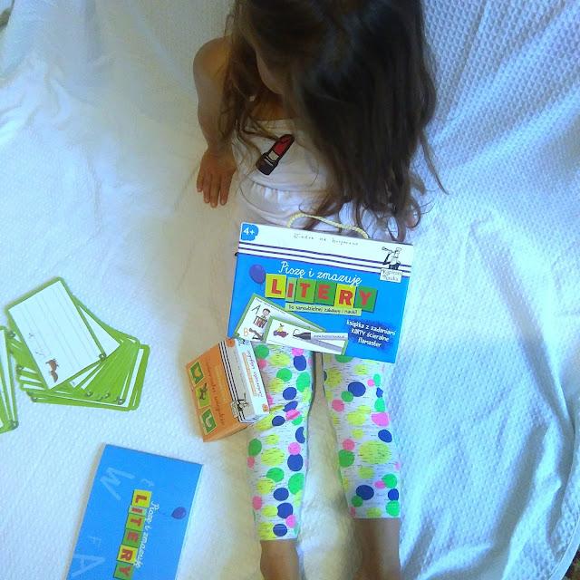 piszę i zmazuję litery kapitan nauka, zwierzęta wiejskie kapitan nauka, kapitan nauka, gry dla dzieci, gry dla najmłodszych, rodzinne gry, rodzinna gra, family games, odkrywam świat, recenzja gry, zabawa, recenzja, prezent na roczek, prezent dla urodziny