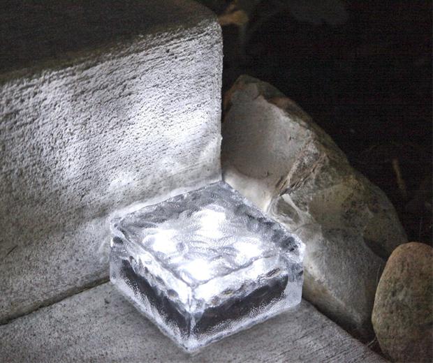 Solar Powered Light Bricks