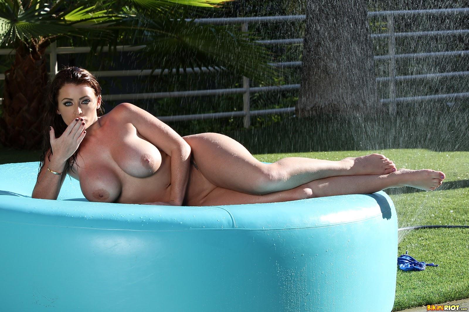 Busty Brunette Brit Sophie Dee Gets Banged In Her High Heels