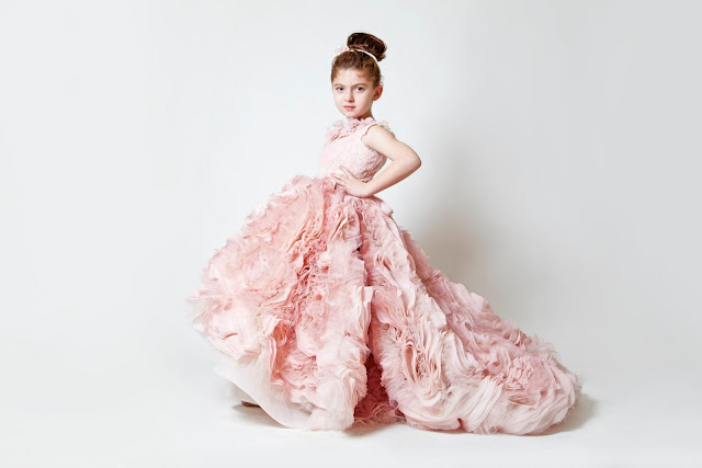Factors-You-Must-Consider-While-Choosing-Flower-Girl-Dresses
