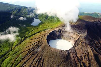 Volcan dans la parc national Rincon de la Vieja au Costa Rica.!
