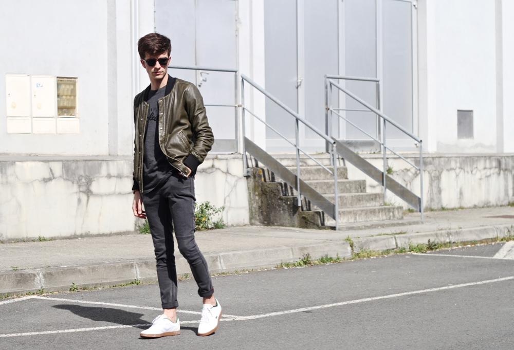 BLOG-MODE-HOMME-style-masculin-montre-connectee-motorola-cuir-iro-chocolatines-edwardson-lunettes-minimaliste-lacoste-basket-360-endliner-jeune