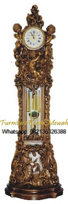 Almari Jam Ukir Jepara-Furniture Klasik Mewah