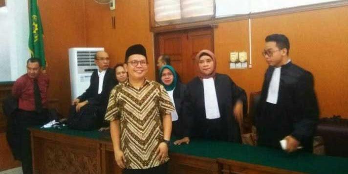Hina Ahok, Dua Aktivis Islam Divonis 6 Bulan, Hina Ulama, Ahoker Belum ada yang dihukum