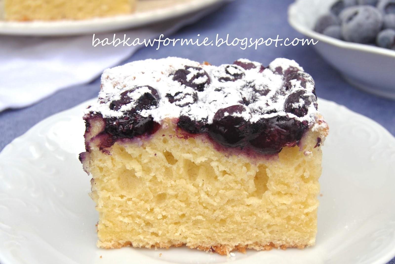 ciasto ucierane z twarogiem i borówkami babkawformie.blogspot.com