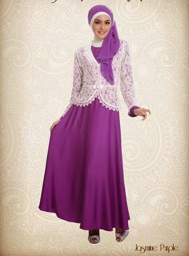 Contoh model baju muslim untuk pesta ungu sederhana