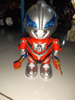 Mainan Robot Dance Ultramen Gratis Baterai