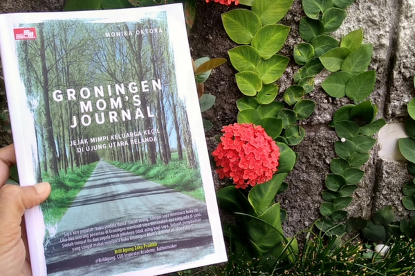 Groningen Mom's Journal karya Monika Oktora