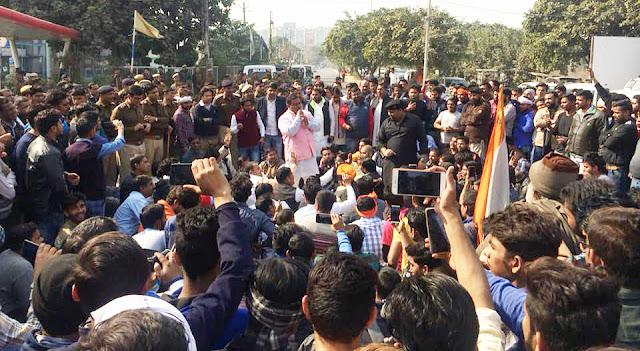 Kshatriyas filled the country, complete boycott of Padmavat film