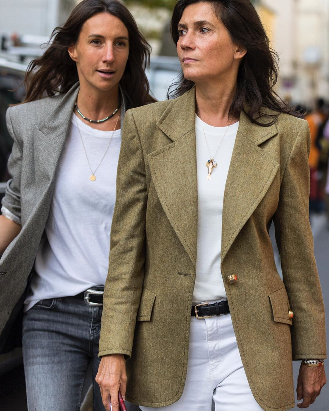 25 Strong Shoulder Blazers French Girls Swear By — Street Style Fall Outfit Inspiration