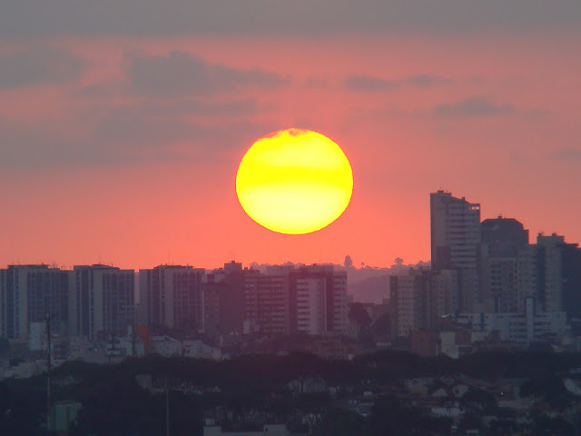 O por do sol varia muito conforme o ambiente
