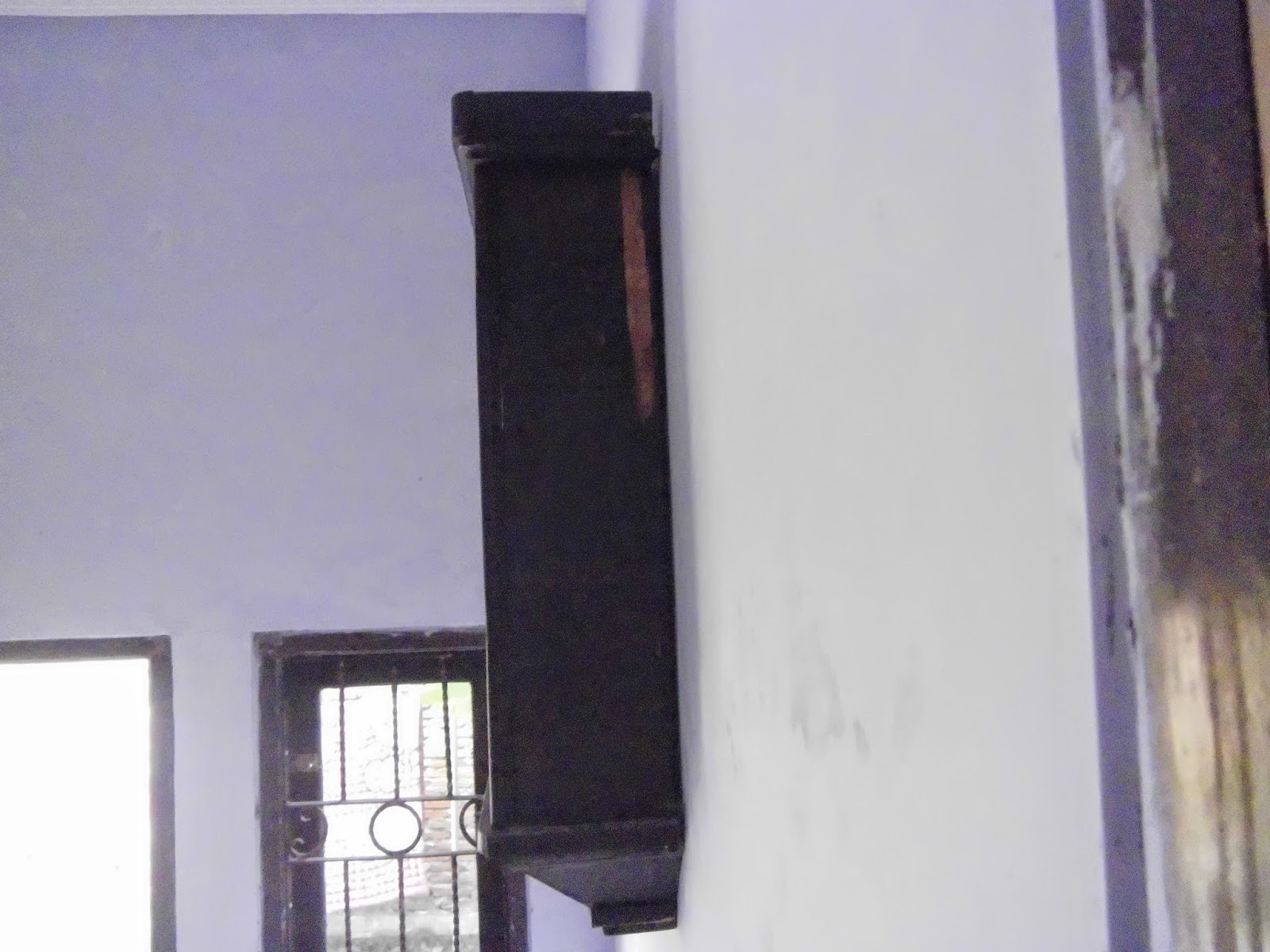 kondisi plat jam sedikit kusam karena faktor usia box jam terbuat dr kayu  beberapa bagian kayu bok ada yg terkelupas. KAMI TAWARKAN DGN HARGA  BERSAHABAT. 7cb8e20658