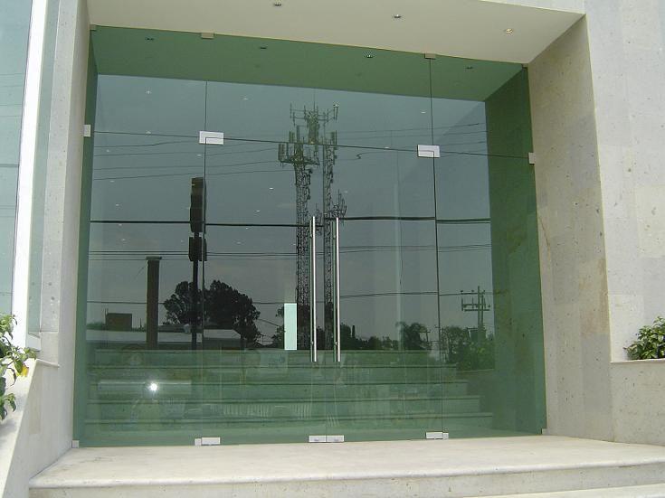 Acristalamientos y cerramientos for Puertas de madera con vidrio para exterior