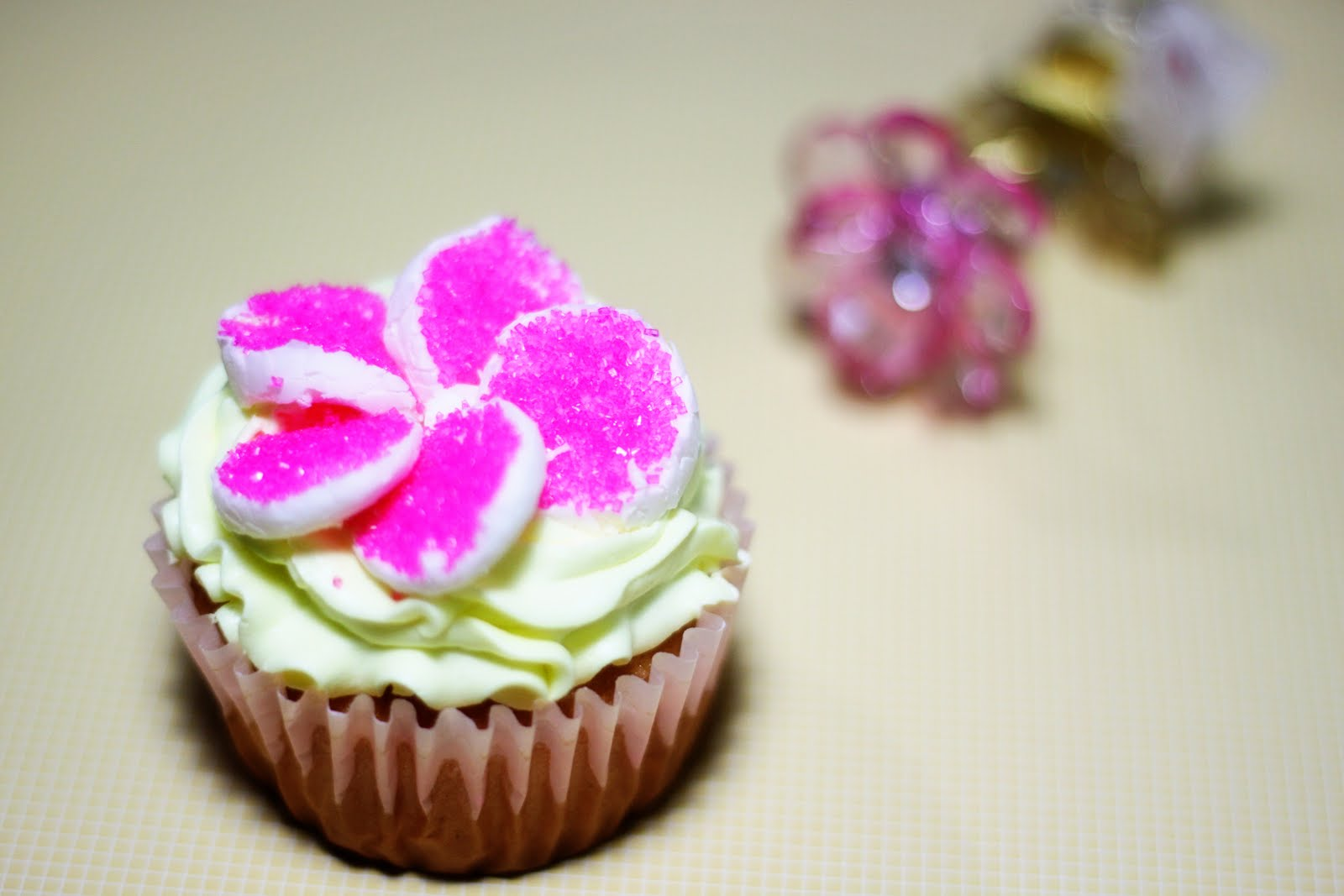 Sweet Art Cakes by Milbreé Moments: Cupcakes for Canterbury