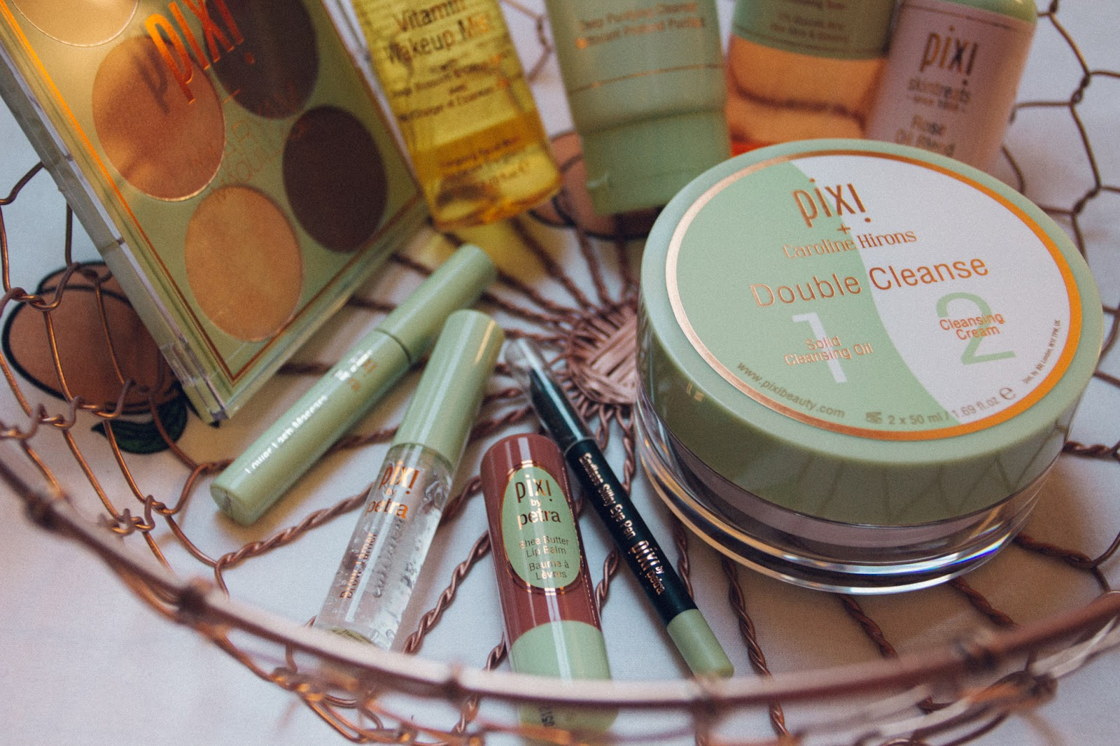 Pixi Beauty Blogger