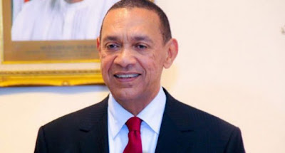 Outspoken Senator Ben Murray-Bruce, lawmaker representing Bayelsa east senatorial district, has said that Nigerian soccer team should not have been stranded in Atlanta when the president has 11 jets