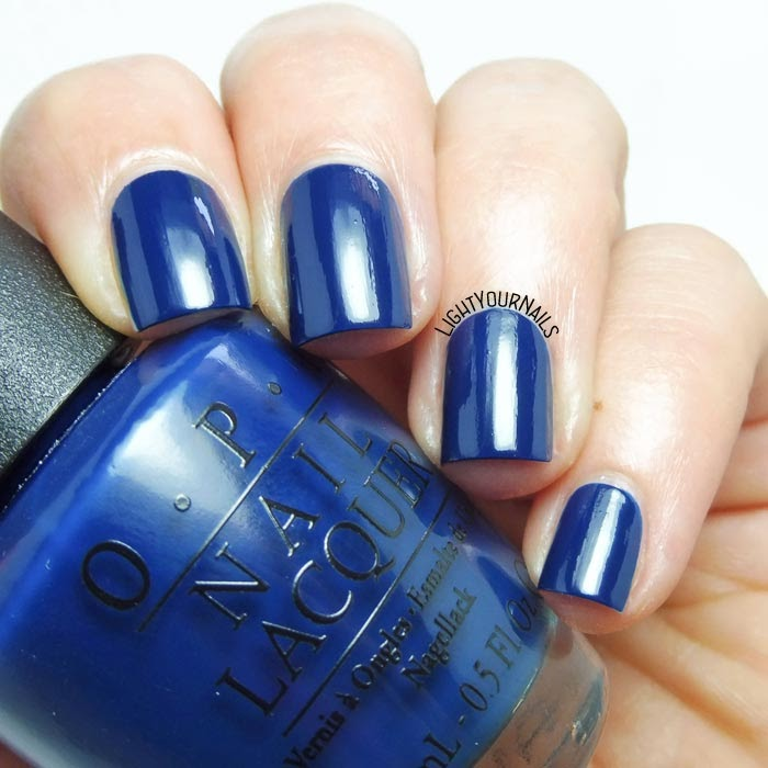 Smalto lacca blu OPI I saw.. U saw.. We saw.. Warsaw blue creme nail polish #unghie #nails #OPI