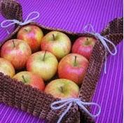 http://chabepatterns.com/free-patterns-patrones-gratis/home-hogar/fruit-basket-canasta-para-fruta/