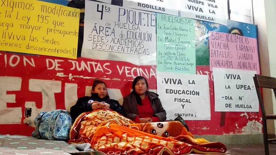 Estudiantes han masificado los piquetes de huelga de hambre que iniciaron con cinco personas  / FACEBOOK UPEA INFORMA