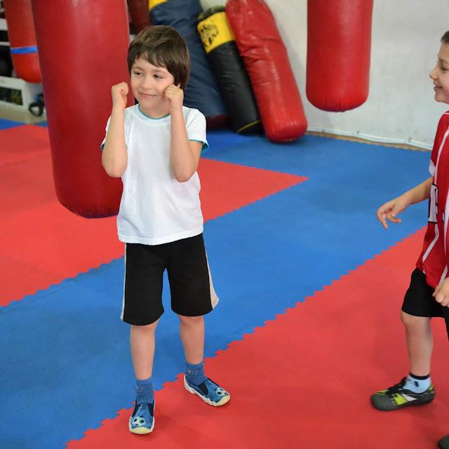 Najmłodsi wspaniale radzili sobie podczas treningu na naszej sali sportowej!