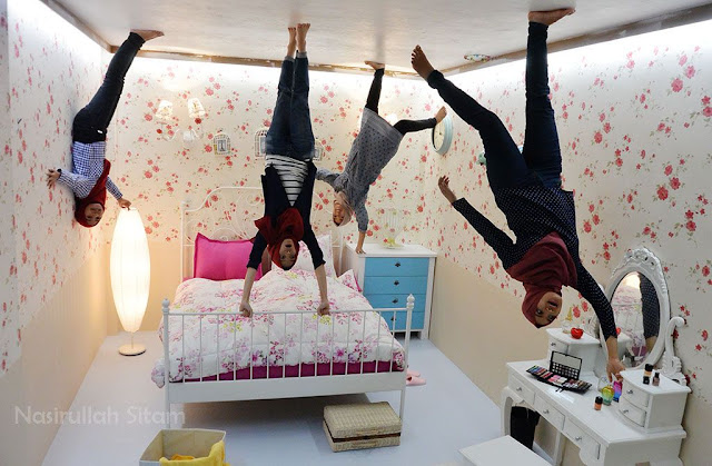 Berpose di Upside Down World Jogja