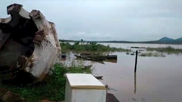 Após chuvas, maior barragem do RN começa a cobrir ruínas de antiga cidade