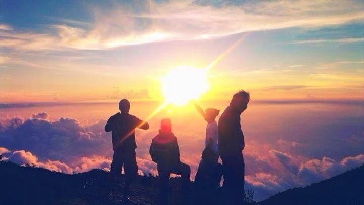 View Puncak Gunung Lawu