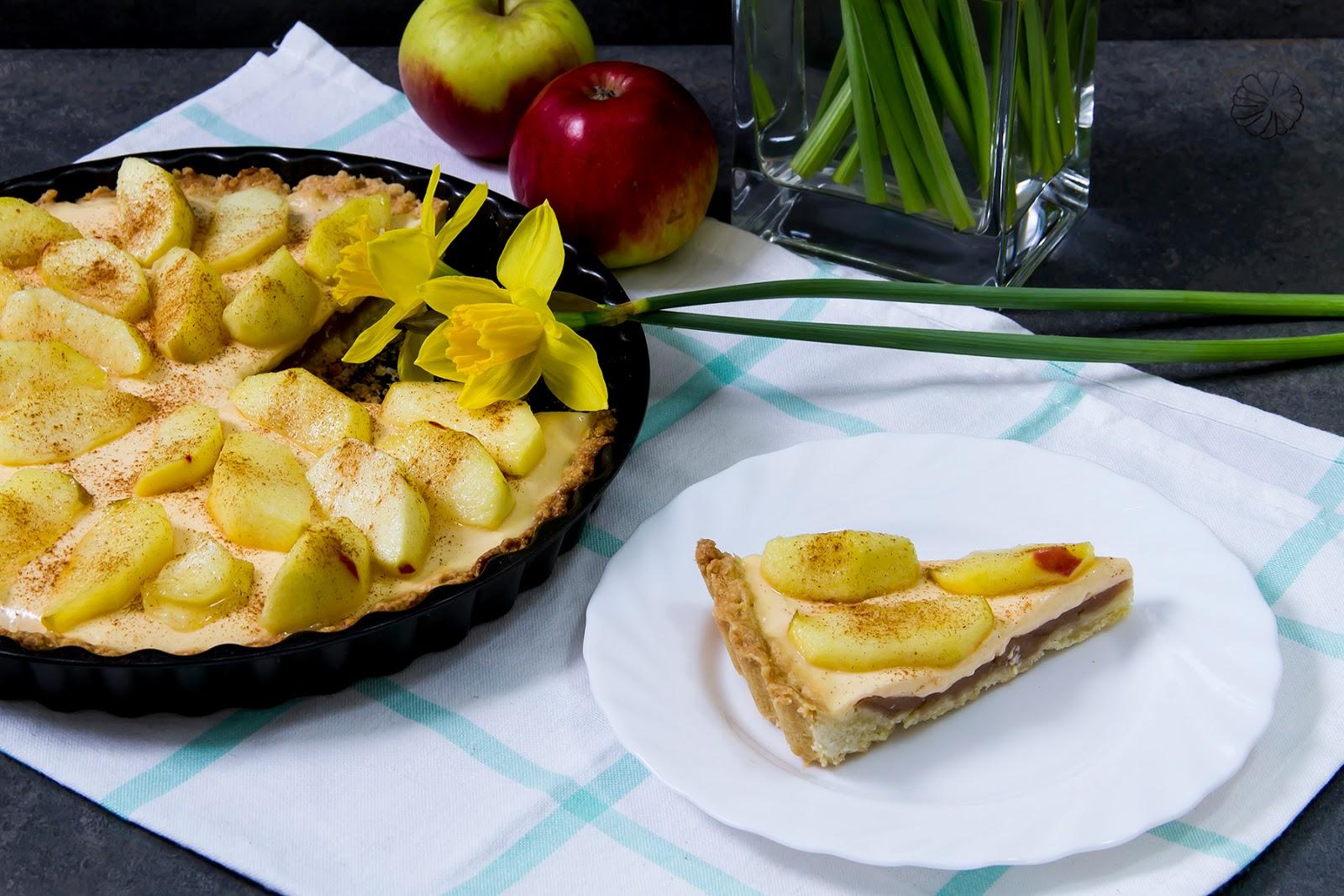 Tarta jabłkowa z budyniem.