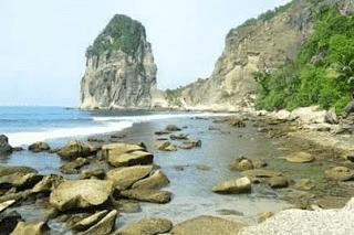Pantai Pengasan Pacitan