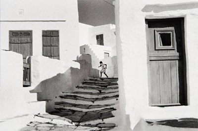 http://kvetchlandia.tumblr.com/post/139911338883/henri-cartier-bresson-siphnos-greece