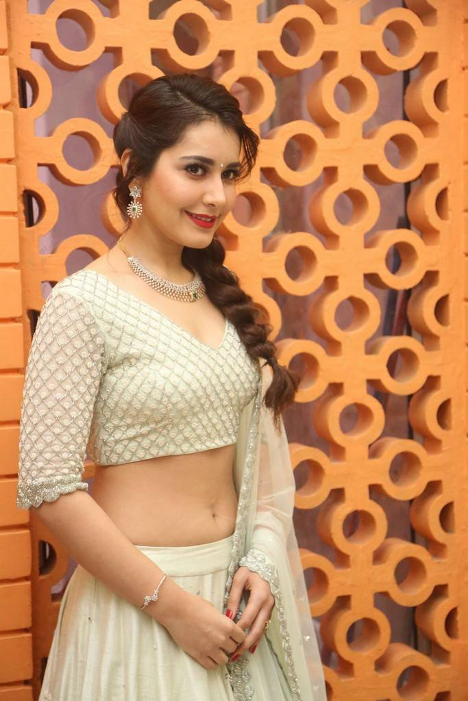 Tollywood Actress Rashi Khanna At Telugu Movie Trailer Launch ❤