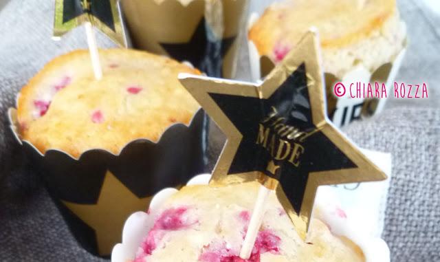 Muffin al cioccolato bianco e lamponi