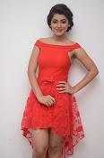 Yamini bhaskar new glam pics-thumbnail-15