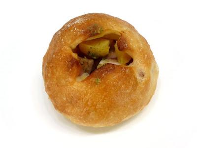 角切りベーコンとポテトのフランスパン | JOHAN(ジョアン)