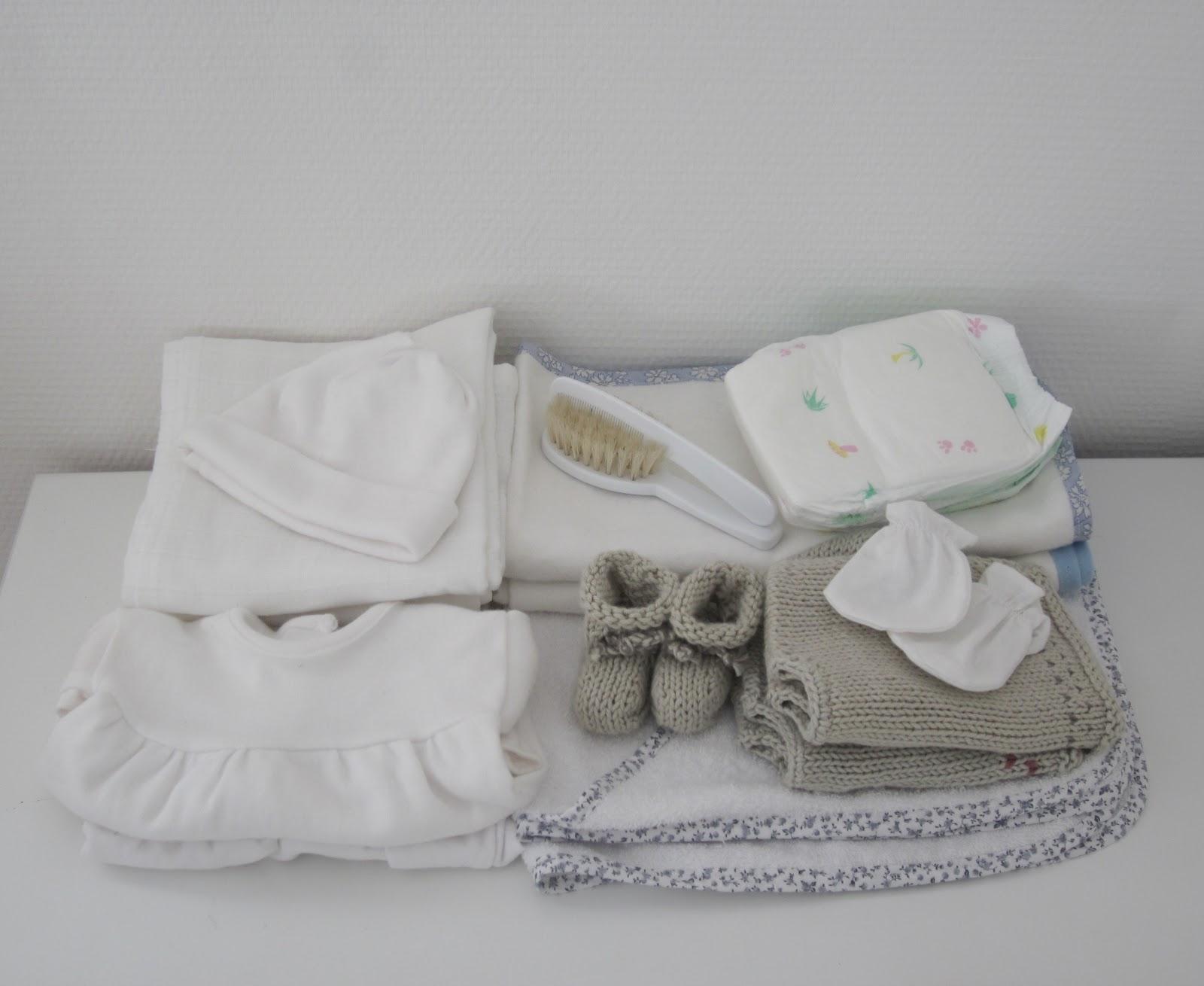 r ves de naissance la valise pour la maternit. Black Bedroom Furniture Sets. Home Design Ideas