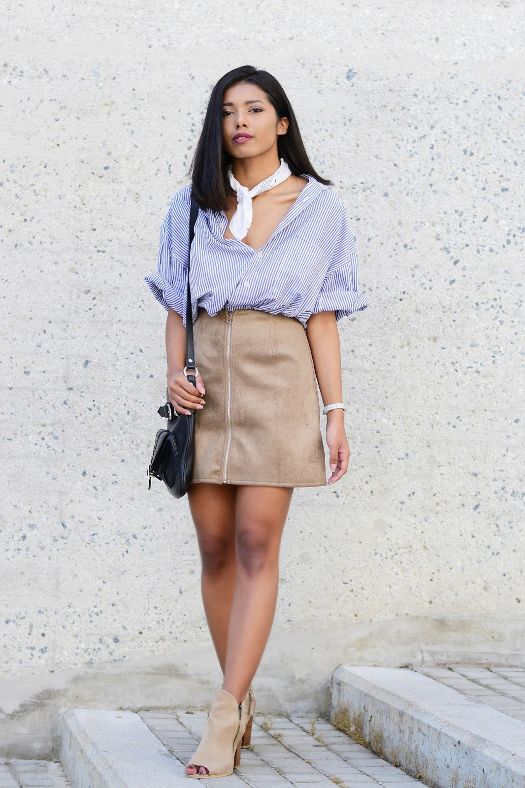 suede skirt outfit ideas